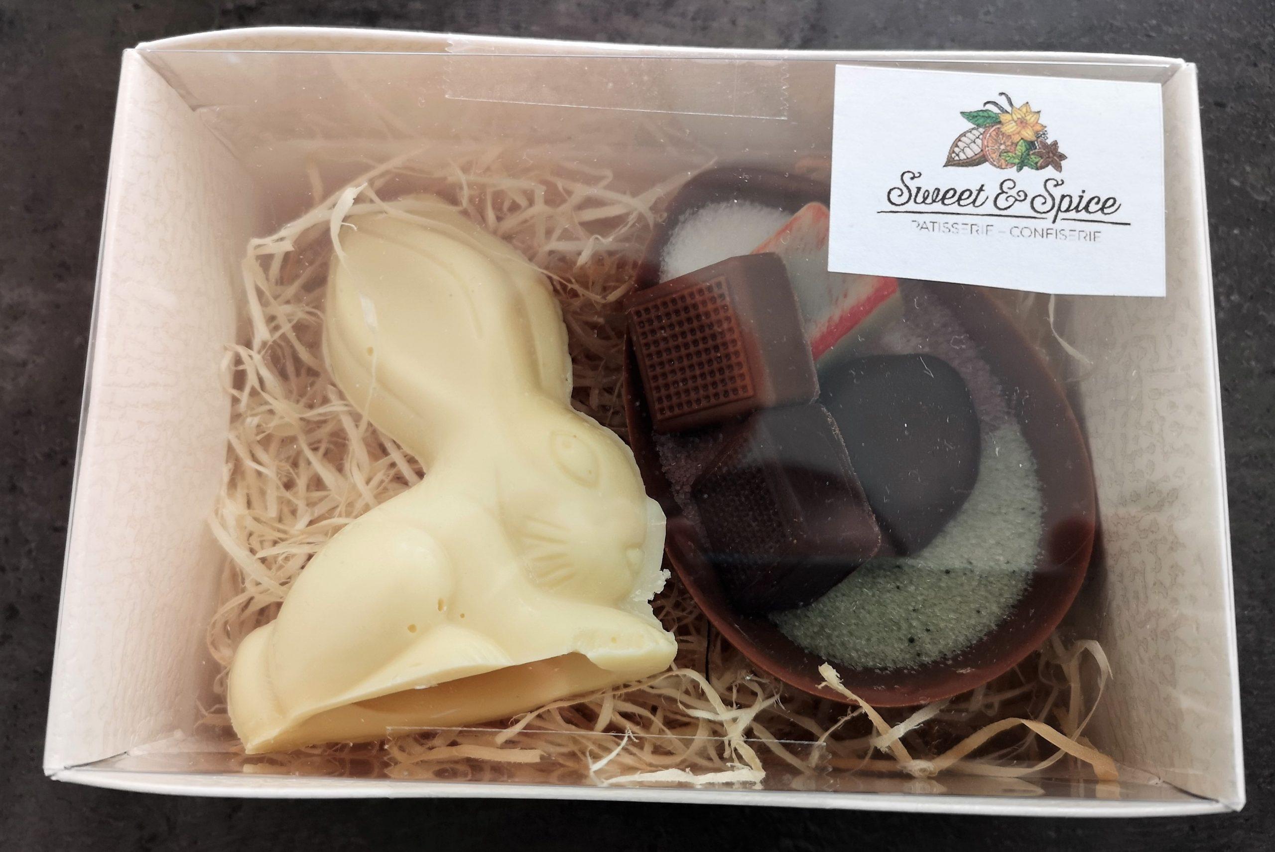 Osterhasen und Ostereier aus Schokolade